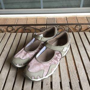 Merrell Taupe Performance Footwear Velcro Closure